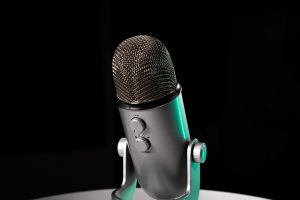 condenser microphone with adjustable tabletop